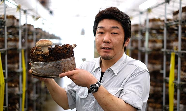 岩井戸地域で就農する若者